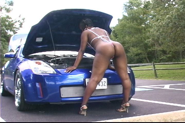 MzMonique2_pt2_tape.avi.00_17_16_23.Still005